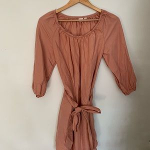 Gap xs peach colored dress with tie wrap
